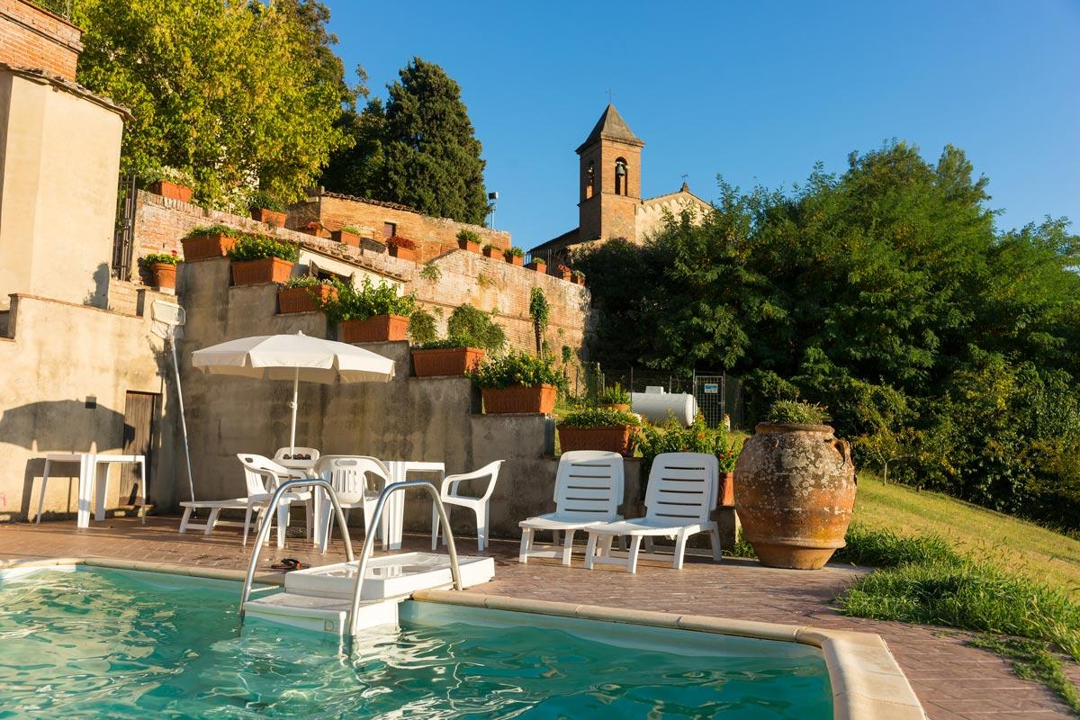 Azienda Agricola di San Gervasio - a kert és a medence