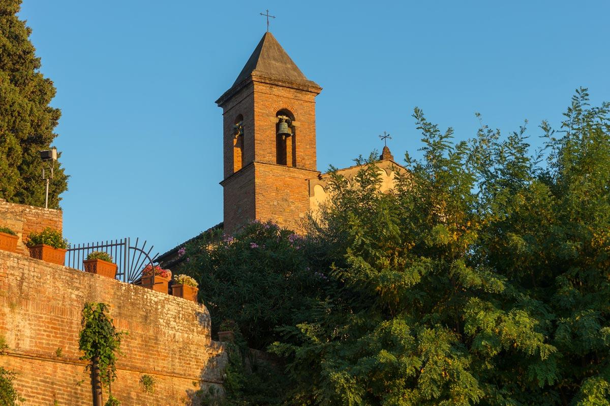 Azienda Agricola di San Gervasio - a szomszédos kápolna harangtornya