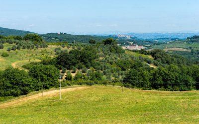 Toscana, a távolban San Gimignano