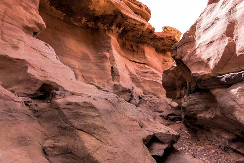 A Vörös Kanyon - izgalmas látványosság a Negev sivatag belsejében
